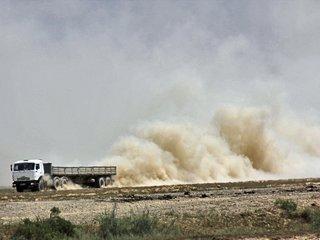 Kontrola pylenia i ochrona przed erozją - technologia kontroli pylenia gleby wykorzystująca zagęstnik, klej do hydrosiewu PAM.